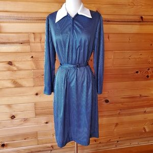 1970s Unlabeled Blue & White Pinstripe Poly Dress
